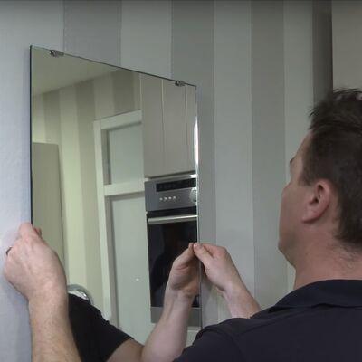 Montage Spiegel mit Federklemmen